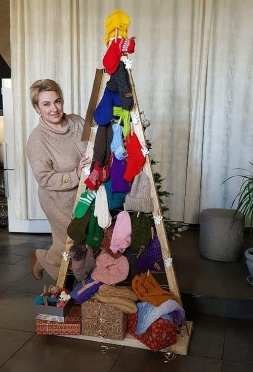 «Шерстяная» благотворительная елка в православном кафе Хабаровска