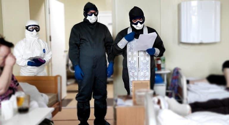 Священники Москвы совершили уже более 1300 выездов к больным коронавирусом