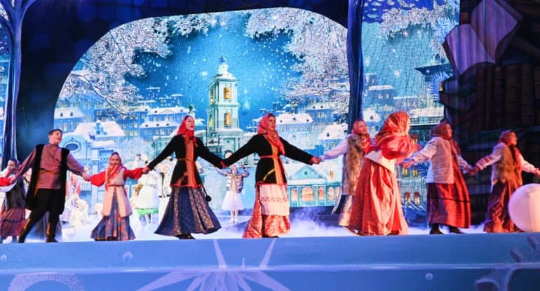 У православных христиан наступили Святки