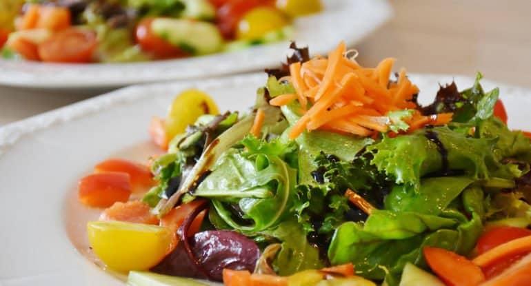 Что важнее на40дней— панихида или обед навсех?