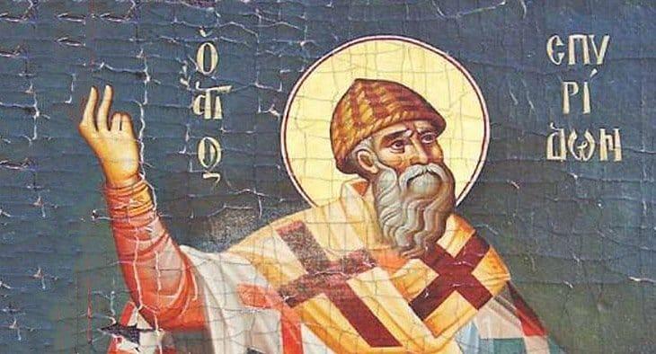 Почему святой Спиридон Тримифунтский на иконах втакой странной шапке?