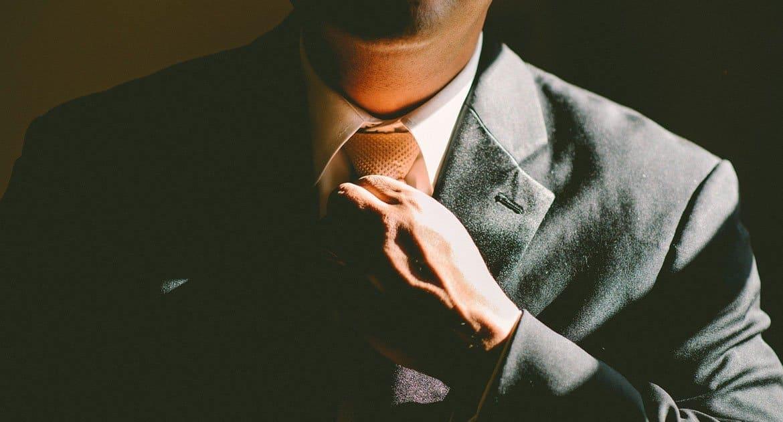 Почему нельзя в церковь в галстуке?