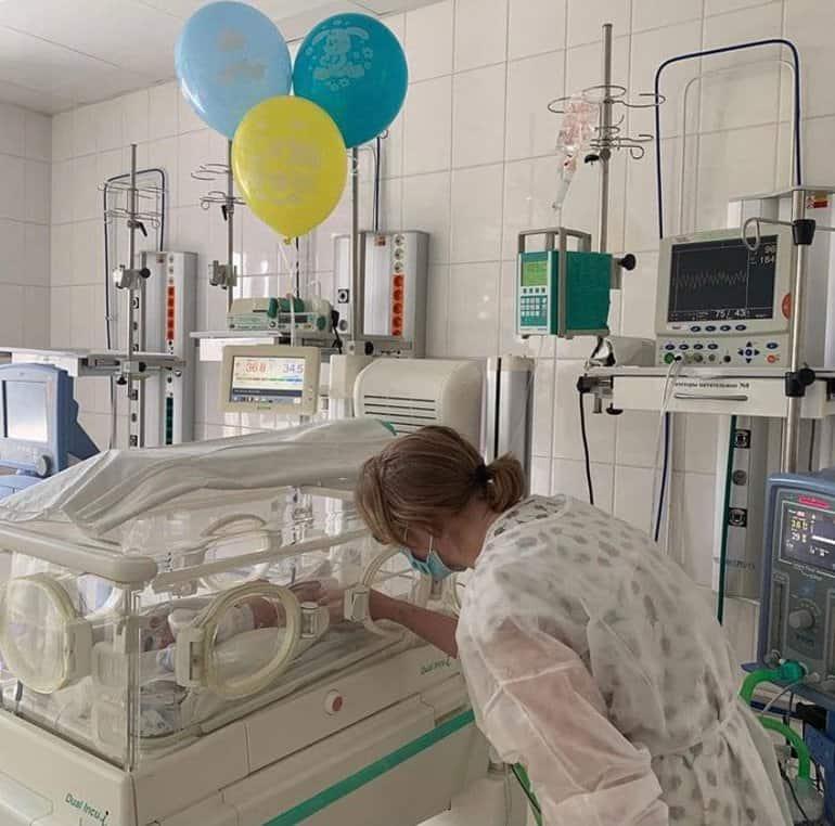 В Челябинске врачи спасли роженицу с полным поражением легких и ее малыша