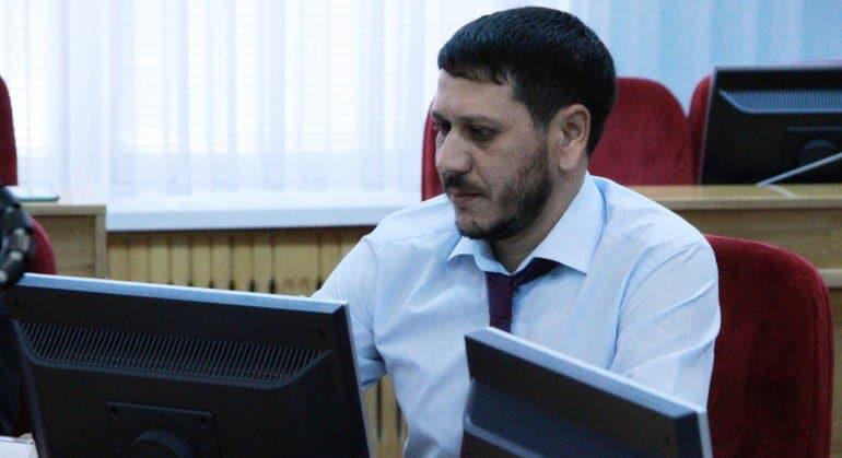 Единственный на Ставрополье цыганский миссионер переводит молитвы на влашский диалект