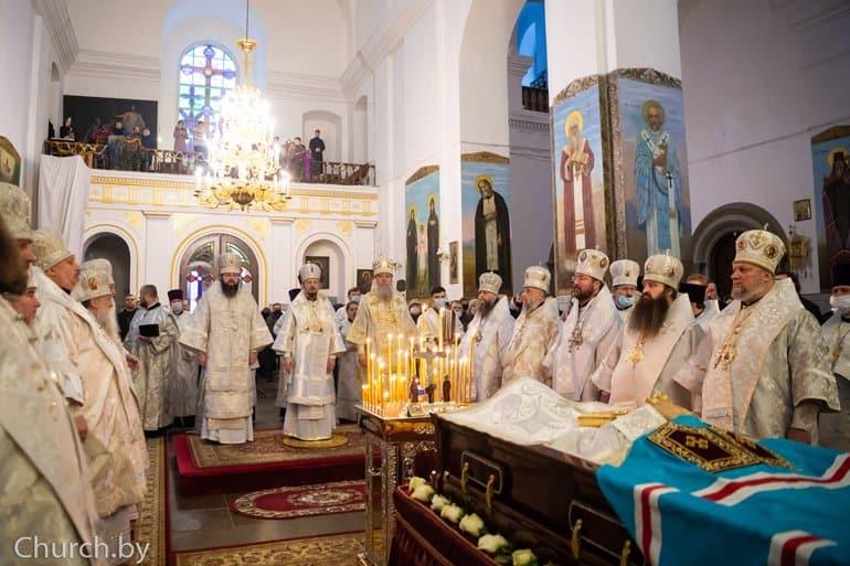 Почетного Патриаршего экзарха Беларуси митрополита Филарета похоронили в Жировичском монастыре