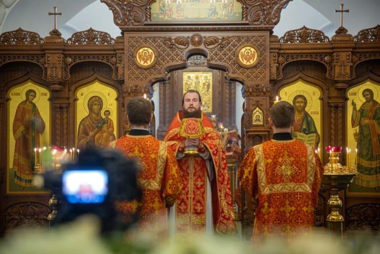 В Москве помолились о преподавателях и студентах, умерших из-за коронавируса