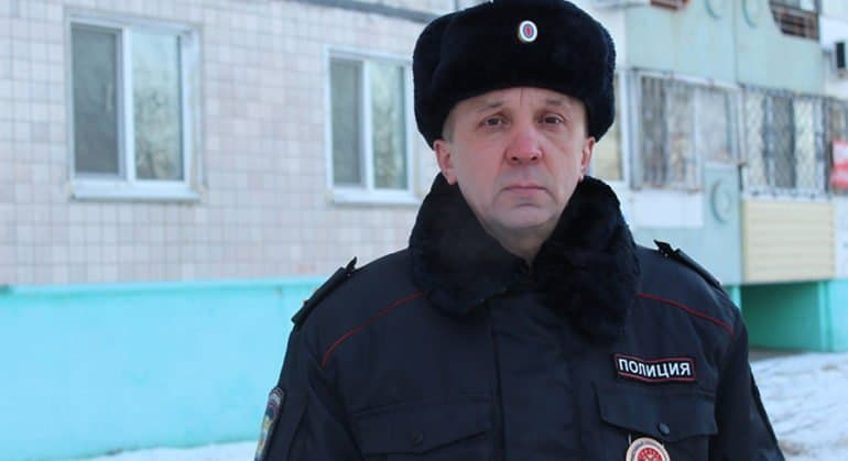 Участковый спас бабушку с двумя внуками на пожаре в Комсомольске-на-Амуре