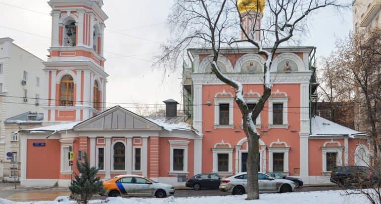 В Москве отреставрировали фасады храмов XVII и XVIII веков