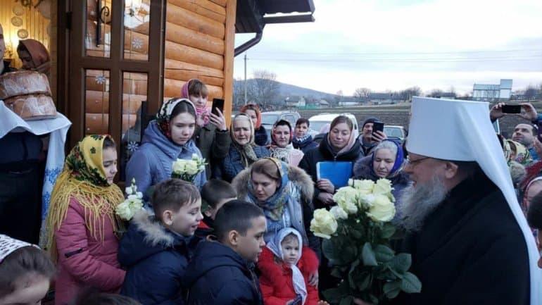 Православные на Украине обретают свои храмы, несмотря на противодействие раскольников