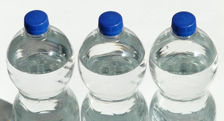 Если окропить бутыль, вода в ней станет крещенской?