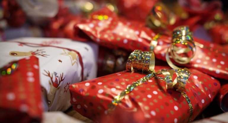 «На Рождество мы играем в одну волшебную игру» — священник о том, как сделать праздник запоминающимся для всей семьи