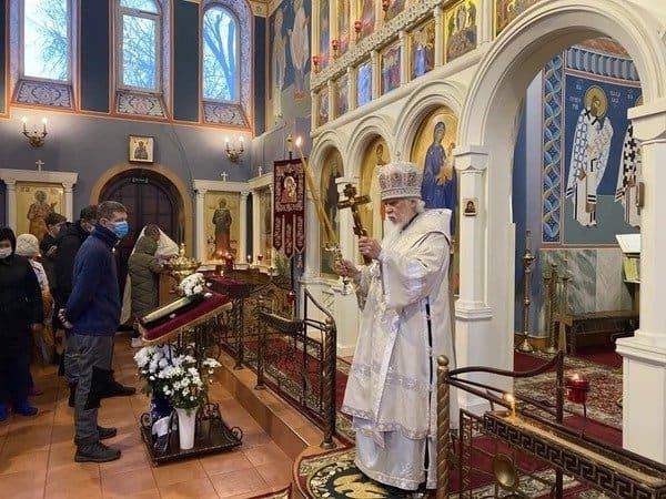 Епископ Орехово-Зуевский Пантелеимон навещает пациентов ковид-госпиталей