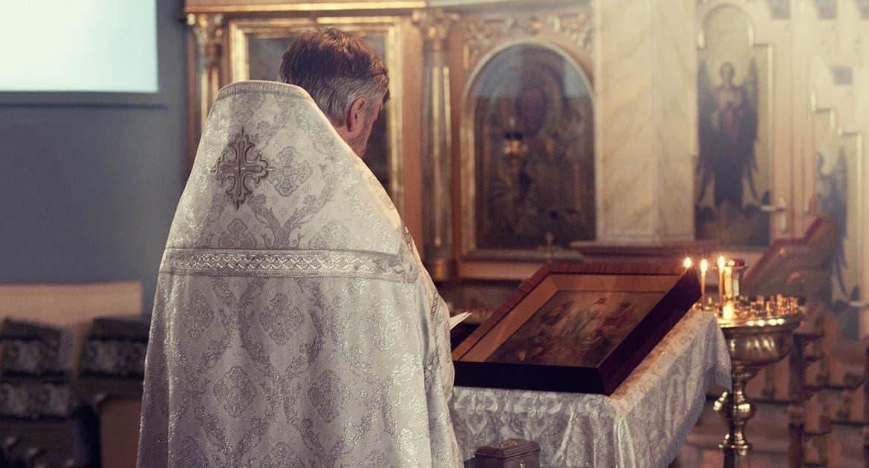Можно ли попросить священника стать крестным?