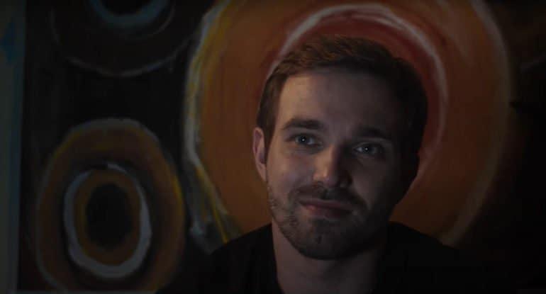 «Раненый» Глеба Кучинского — маленькое кино с большим сердцем на сайте «Фомы». Премьера