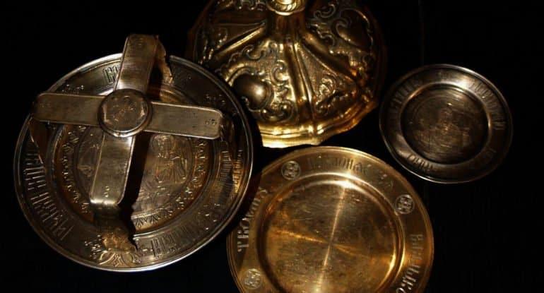Можно переплавлять старую церковную утварь?