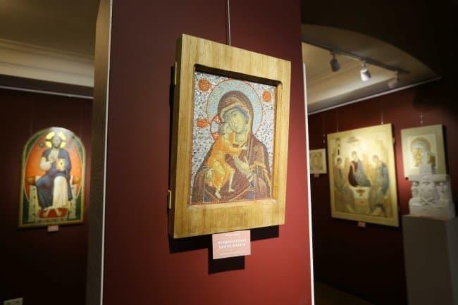 В подмосковном Усово показывают более 100 шедевров современного церковного искусства