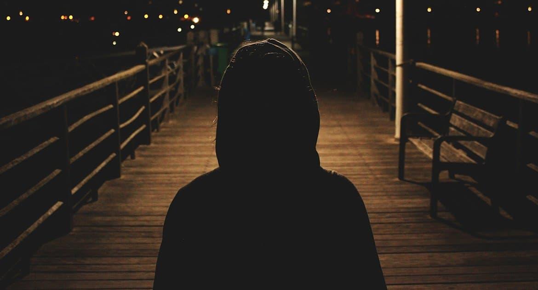 Я в депрессии. Церковь не помогает, к психиатру идти боюсь. Что делать?