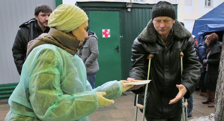 На Родительские субботы в «Ангаре спасения» покормят бездомных