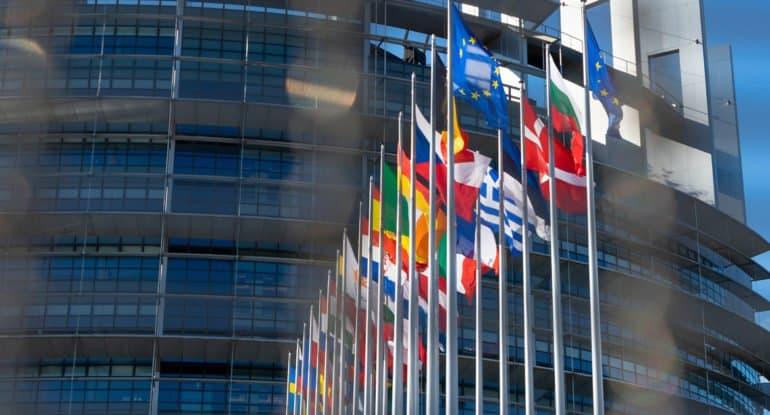Планы введения ковид-паспортов в ЕС вызывают больше опасений, чем восторгов, считают в Церкви