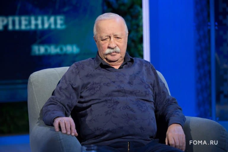 Насцене ябоюсь, что меня узнают,— Леонид Якубович ороли старца Никандора в«Лавре»