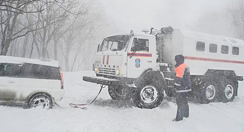Оренбургские спасатели за ночь освободили из снежного плена 46 человек