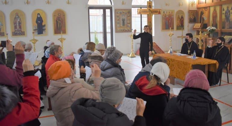 Приход в Ростове-на-Дону за год обучил более 70 человек для работы с глухими людьми