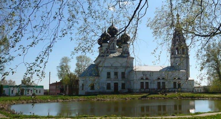 Церкви вернут храм, запечатленный Саврасовым на картине «Грачи прилетели»