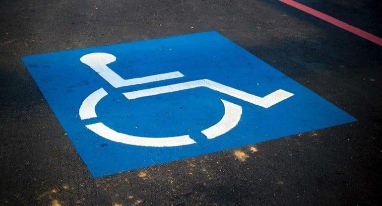Муж стал инвалидом, родители заставляют развестись. Что мне делать?