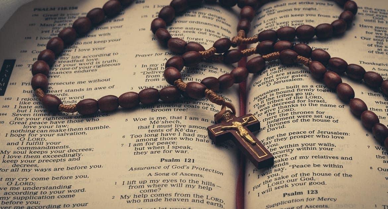 «А потом я вдруг увидел потрясающий сон» — как атеист решил вновь надеть на себя крестик и в конце концов стал священник...