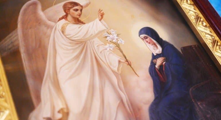 Патриарх Кирилл объяснил, почему верующие молят о спасении не только Христа, но и Богородицу