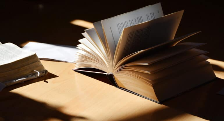 Книга российского автора впервые добралась до шорт-листа Международной Букеровской премии