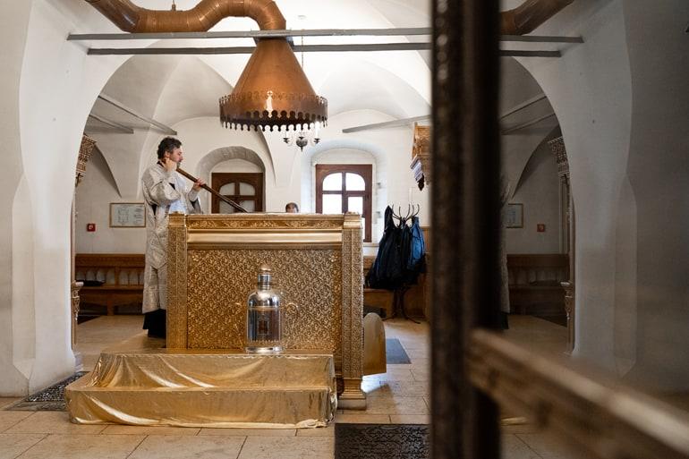 В Донском монастыре Москвы совершают мироварение