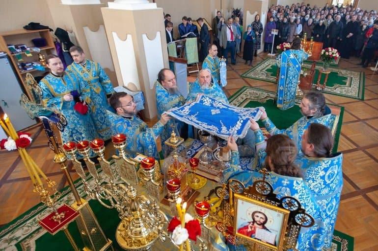 В первом храме Александро-Невской лавры впервые за 88 лет совершили Литургию