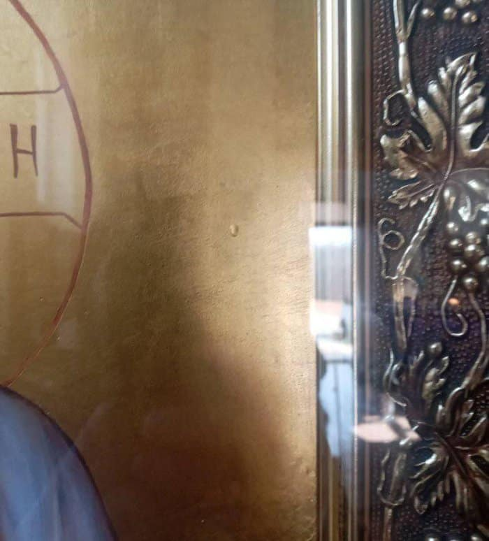 В закарпатском монастыре мироточит икона Богородицы «Призри на смирение»