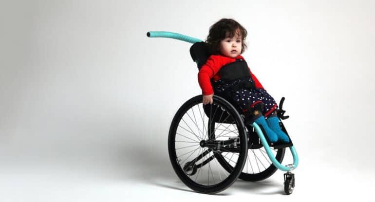 «Как мысоздали первую вРоссии инвалидную коляску для малышей»— чудо вовремя самоизоляции