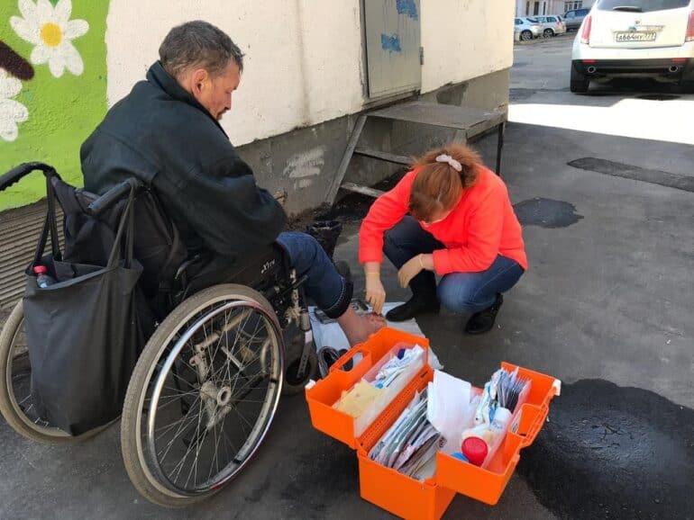 «Бездомные переживали стресс неменьше тех, кто сидел накарантине подомам»— директор центра социальных проектов