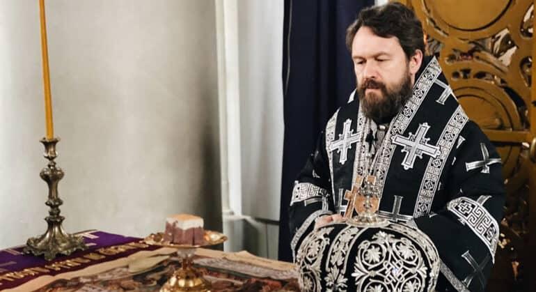 В Страстную седмицу перед нами проходят страдания Христа за весь мир, – митрополит Иларион