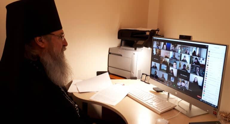 В Церкви рассказали, кто из монахов может присутствовать в соцсетях