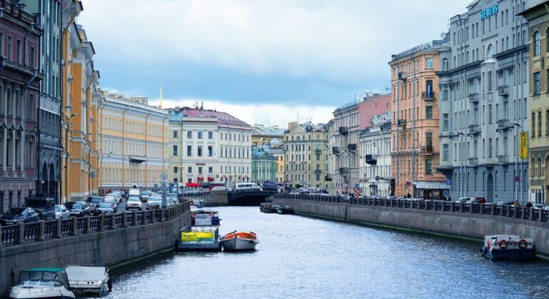 По инициативе митрополита одной из улиц Петербурга вернули историческое название