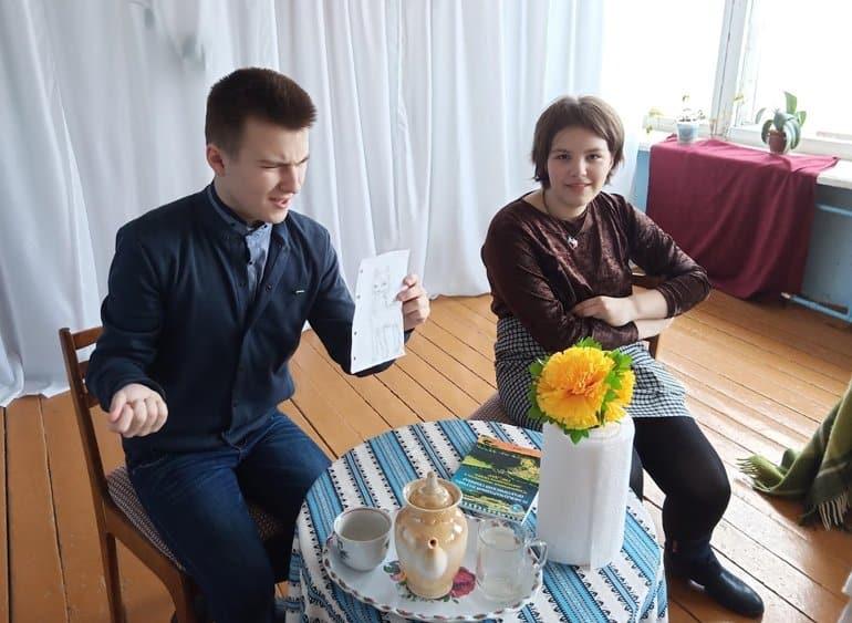 Школьники поставили мини-спектакль по рассказу писателя и автора «Фомы» Максима Яковлева