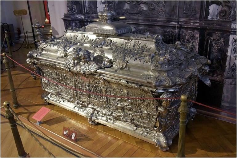 В Эрмитаже открыли музей и выставку в память об Александре Невском