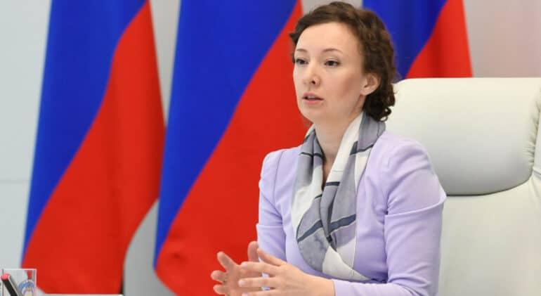 Анна Кузнецова считает важным наполнить жизнь детей смыслом и высокими ценностями