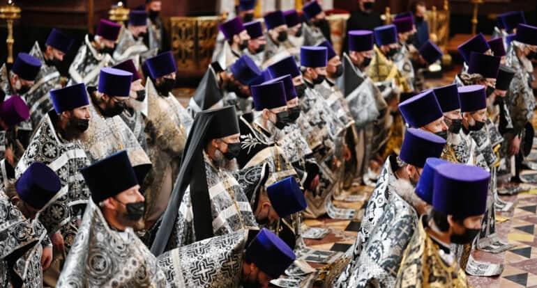От коронавируса продолжают лечиться 119 клириков и монахов Русской Церкви