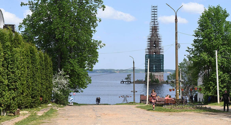 Будет берег и причал: в Калязине масштабно реставрируют знаменитую затопленную колокольню