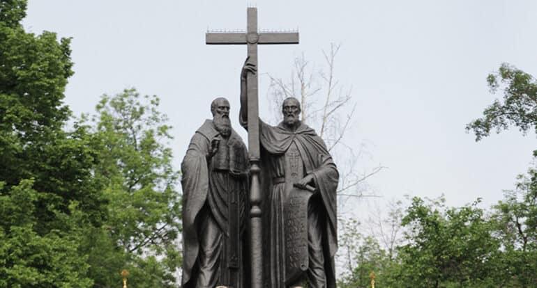 Было бы идеально, каждый раз входя в храм, молиться святым Кириллу и Мефодию, – патриарх Кирилл