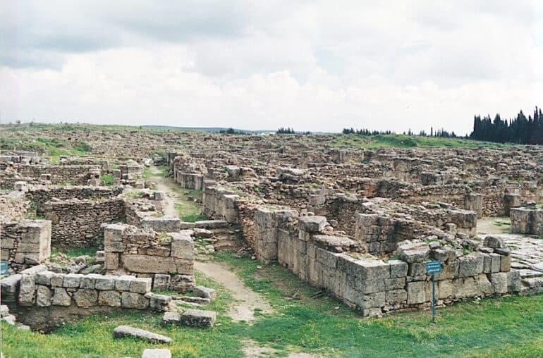 Клинописные таблички из исчезнувшего города Угарит: что открыла нам эта удивительная находка археологов