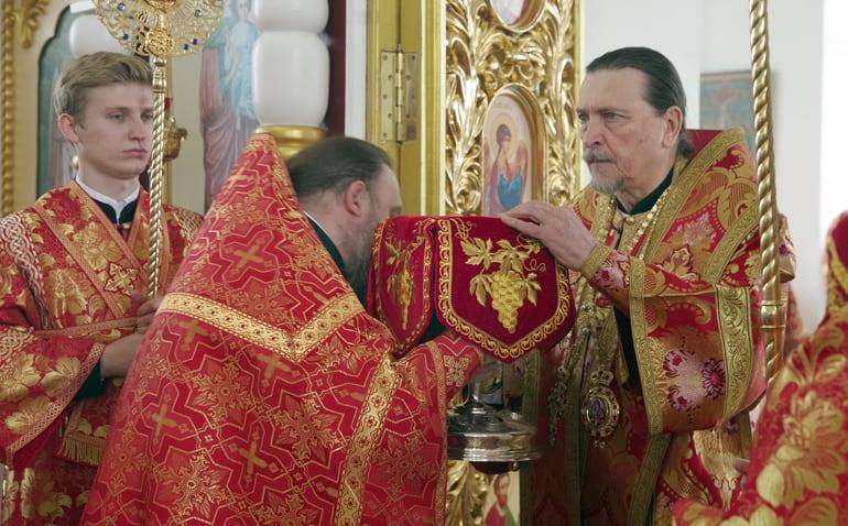 «Тяга была неодолима»: митрополит Мурманский Митрофан рассказал, как внутренний зов помог ему обрести мощи святой