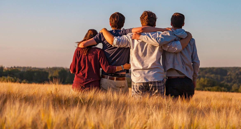 В Церкви призвали молодежь направлять свои силы не на мелкие пакости, а на дела милосердия