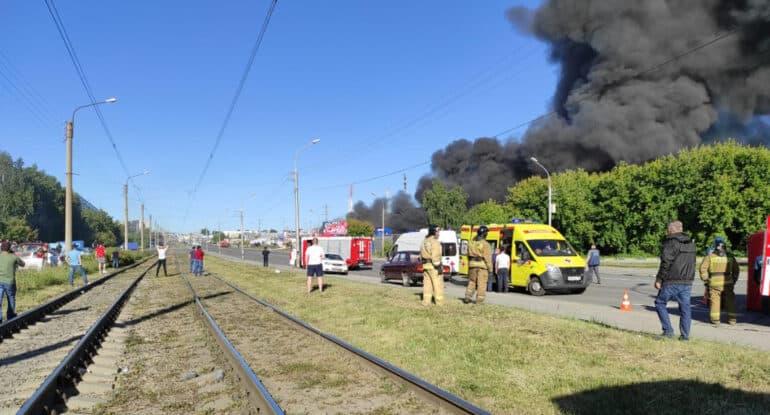 Митрополит Новосибирский Никодим молится о выздоровлении пострадавших при пожаре на АГЗС