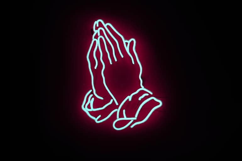 Зачем молиться чужими словами?